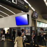 京都駅西口改札デジタルサイネージ1