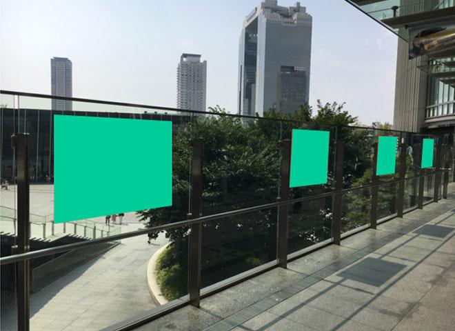 No,17 広場デッキ側面ガラス