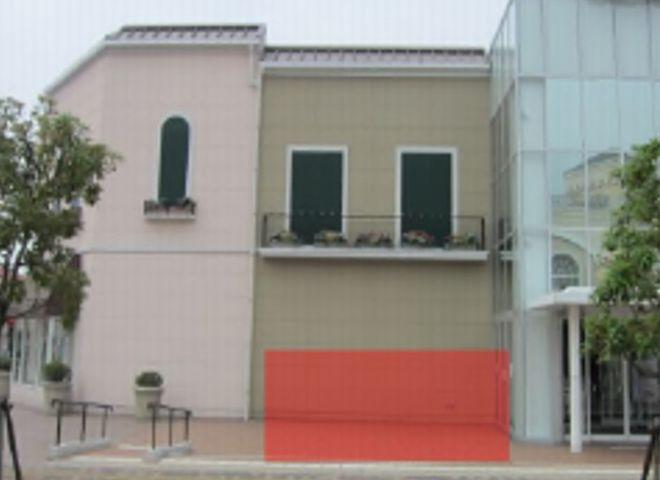 三井アウトレットパークマリンピア神戸 セントラル棟1F正面入口横