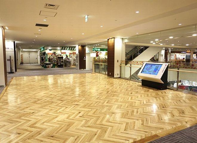 イオンモールKYOTO Sakura館3階吹き抜け横